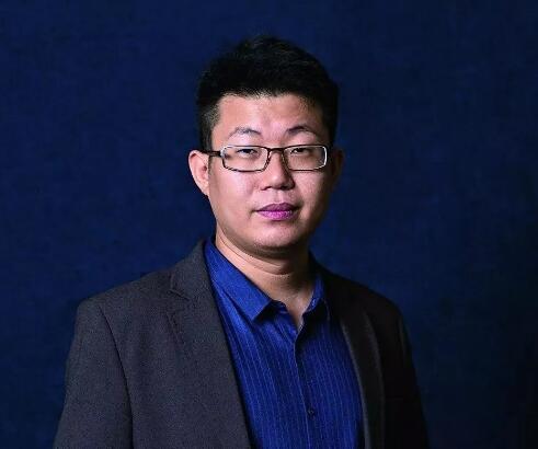 余锦生 (中国拍卖行业协会文化艺术品拍卖专业委员会秘书长)