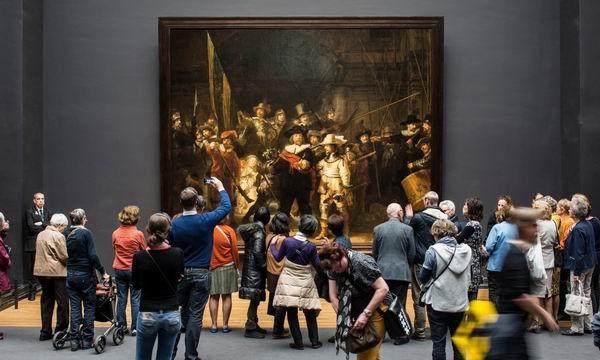 荷兰阿姆斯特丹国立博物馆中的伦勃朗名作《夜巡》