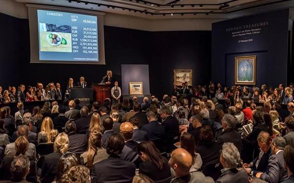 塞尚静物画作《静物:桃与梨》以逾2,100万英镑成交