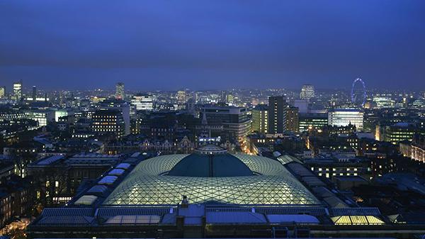 大英博物馆全景©Foster+Partners(20世纪90年代后期由福斯特建筑事务所重新设计)