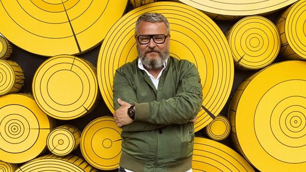 艺术家托比亚斯·雷贝格