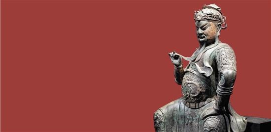 保利香港2019年春拍于4月2日晚收槌,斩获9.39亿港元总成交额。明早期御制漆金彩绘铜关帝坐像以5546万港元高价成交。此尊关帝坐像是已知体量最大的铜坐像之一,各大公私收藏及海内外拍卖中均极为罕见,其为日本山中商会1902年购入,后售予美国伊莎贝拉·嘉纳艺术博物馆,1993年由纽约佳士得释出后,由十面灵壁山居宝藏至今,流传有绪。