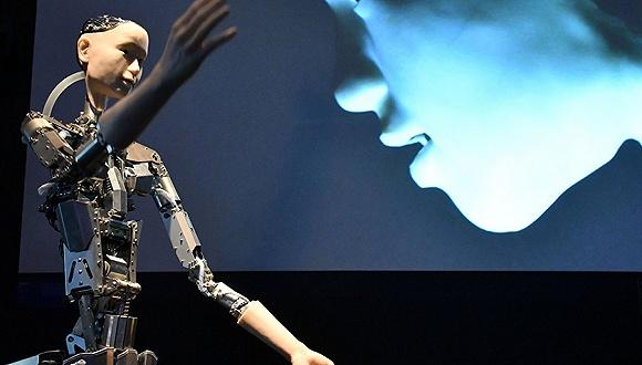 人形互动机器人Alter3 图片来源:Nils Jorgensen/Rex/Shutterstock