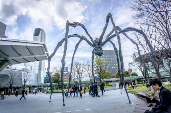 日本潮人的聚集地,俯瞰東京鐵塔,閱讀前衛藝術:森美術館