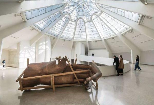 当代艺术,究竟是一种产品还是一种祭品?