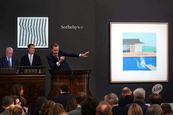 大卫・霍克尼《水花》领衔伦敦苏富比当代艺术晚拍,以2,310万英镑圆满落槌
