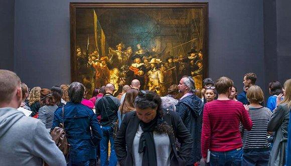 """""""包场""""看展:艺术评论家最喜欢的在线画廊"""