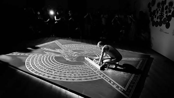 蒼鑫西南地區首次大型個展開幕:是寓言,還是警示?