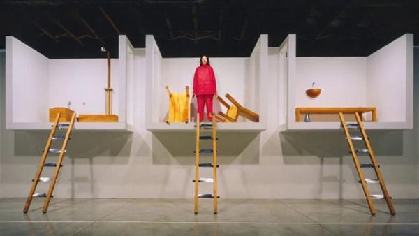 阿布拉莫维奇:我只对能改变社会意识的艺术感兴趣