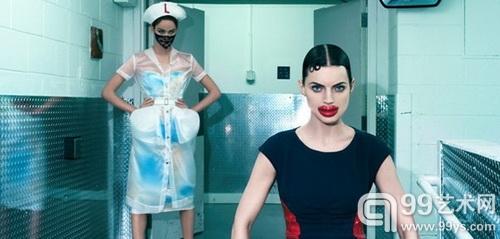 美国明星摄影师克莱因于巴西展示怪诞影像