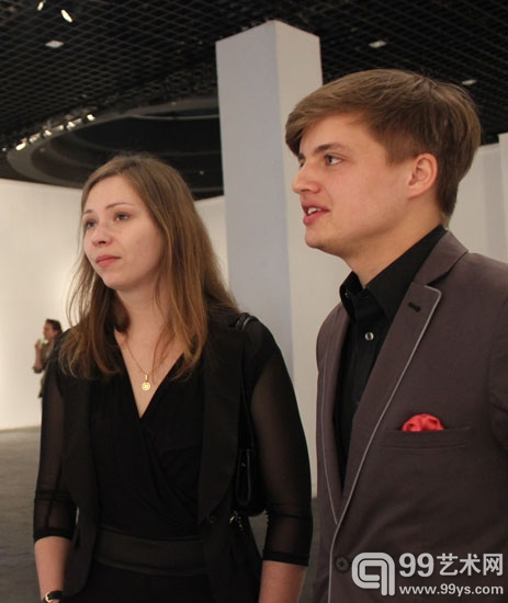 艺术家Shlyk(左)和Makarevich(右)