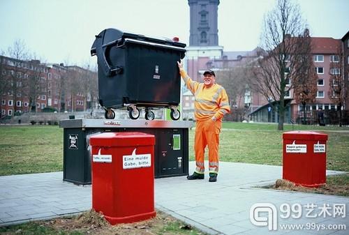 垃圾桶也能拍照片 德国清洁工的针孔街拍1