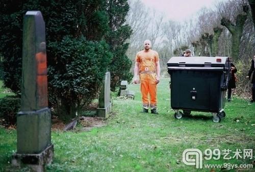 垃圾桶也能拍照片 德国清洁工的针孔街拍2