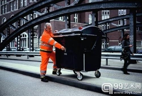 垃圾桶也能拍照片 德国清洁工的针孔街拍4