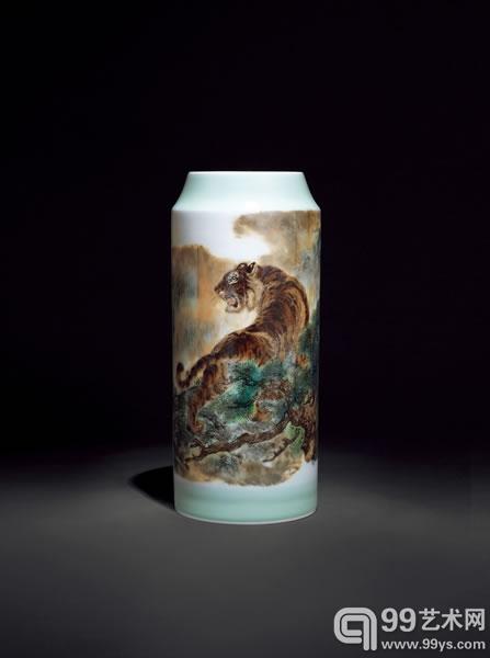 """毕德芳  """"虎图""""瓷瓶  高 38.5cm"""