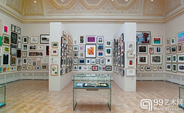 上百家画廊厦门扎堆 小的靠卖画大的靠签画家
