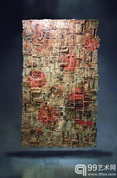 弃墙(剑麻、纸浆、民间年画,软雕塑)覃大力