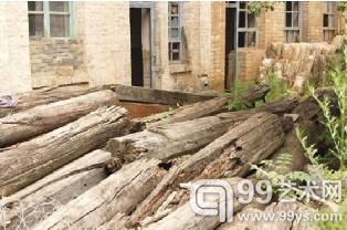 腐朽的大木构件.