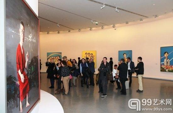 中国人来了:曾梵志作品登陆巴黎市立当代美术馆