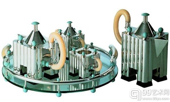 """迈克尔•格雷夫斯为阿莱西公司设计的""""茶与咖啡的建筑""""杯具组"""