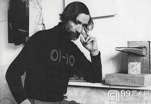 约翰·莱瑟姆,摄于1979年