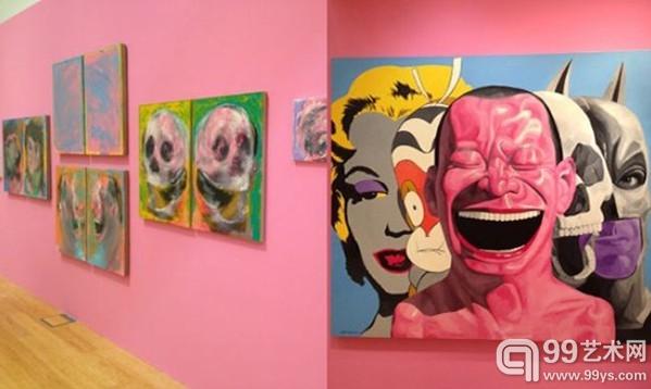 (左)岳敏君《重叠系列》,油画,2012;(右)《角色》,油画,2011