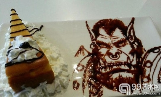 达人用巧克力酱绘制动漫人物