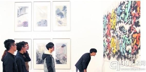 汲取艺术养分 泉州师范学院学生欣赏名家作品