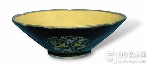 鎏金银棱平脱雀鸟团花纹秘色瓷碗