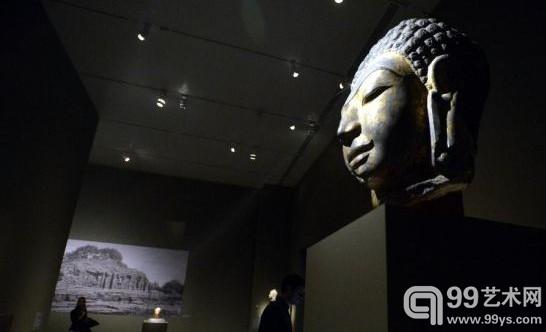 东南亚佛教文物雕塑在纽约展出