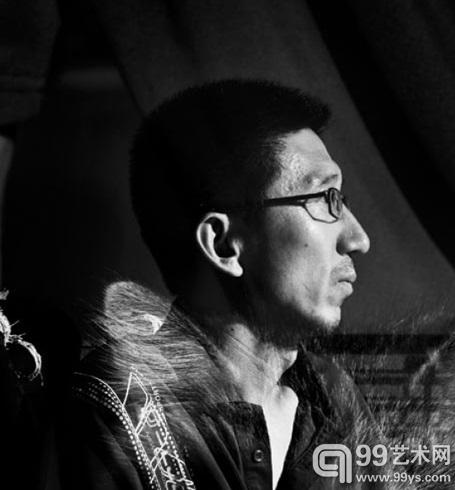 艺术家王兴伟