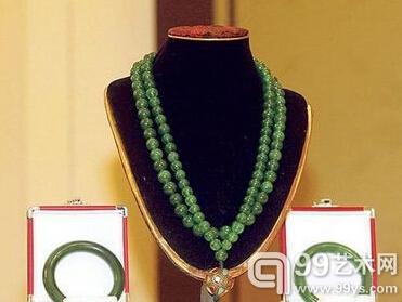 清晚期老坑玻璃种帝王绿翡翠108颗朝珠